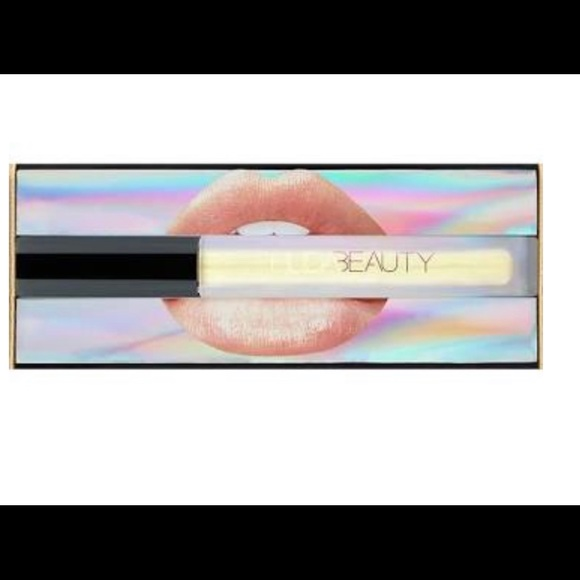 HUDA BEAUTY Other - Huda Lip Strobe Color Posh
